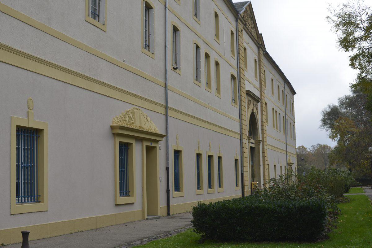 Façade Ecole Jean Moulin (ONAC)